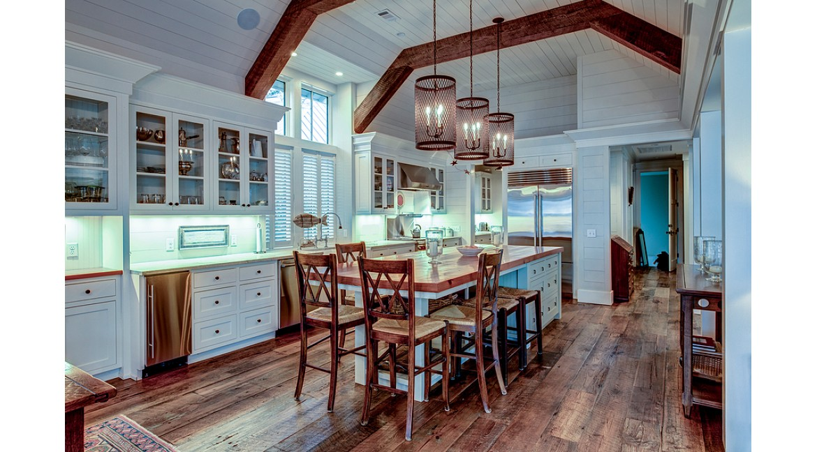 Top Tips For Choosing The Perfect Kitchen Island Lighting
