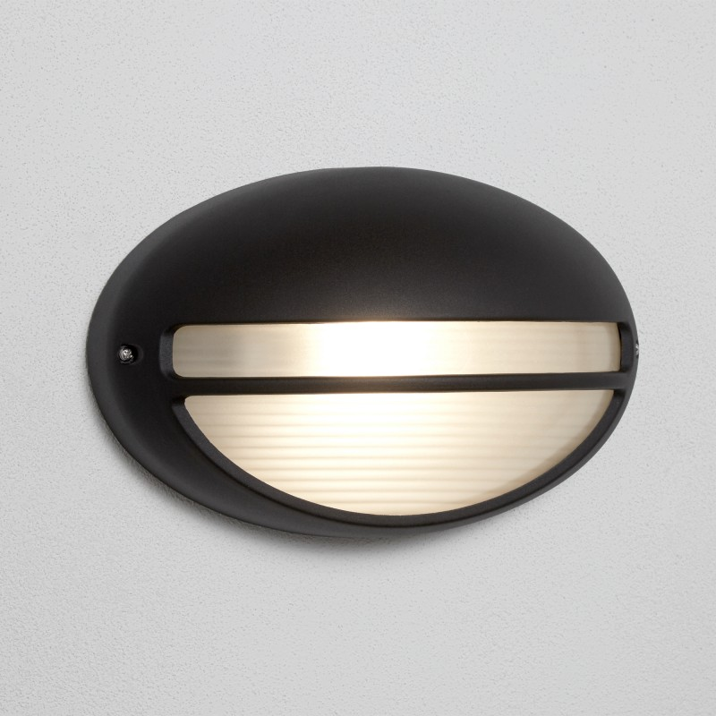 OUTDOOR & PORCH 60W BLACK OVAL WB/FLUSH