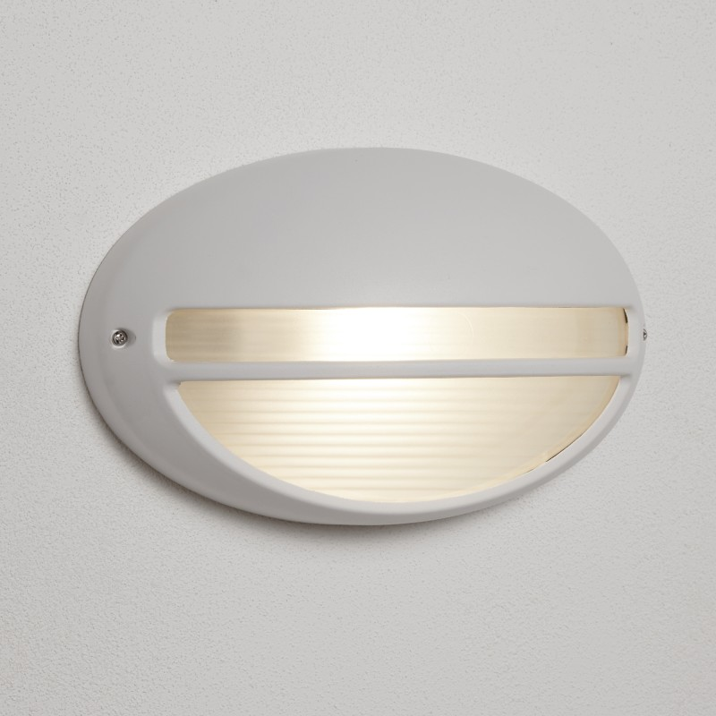OUTDOOR & PORCH 60W WHITE OVAL WB/FLUSH